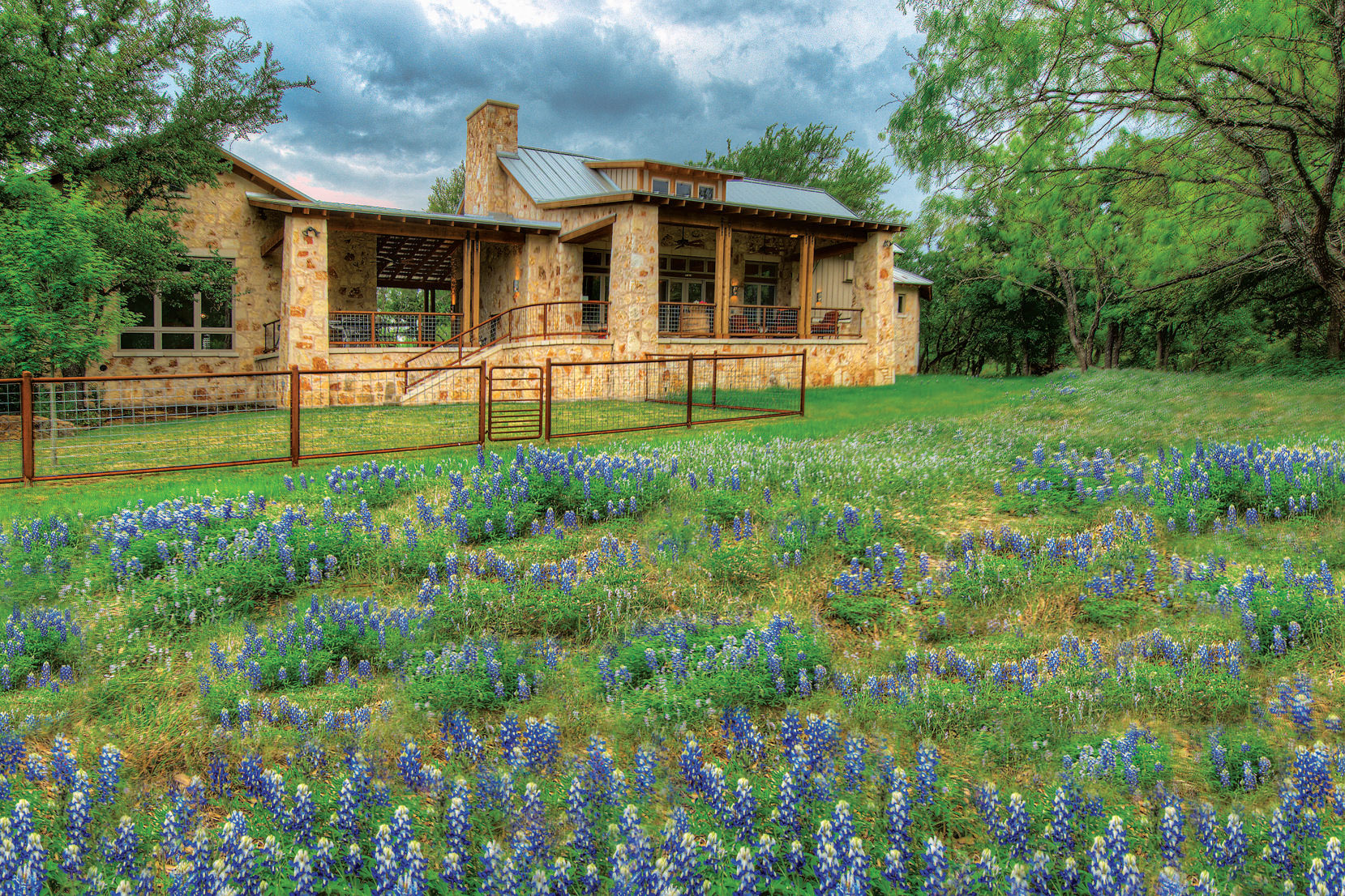 A texas hill country escape cowboys and indians magazine for Hill country houses